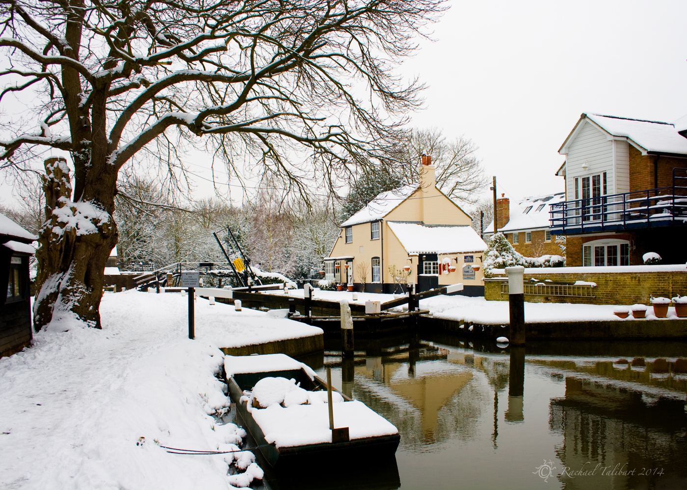 Thames Lock, winter